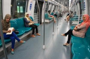 MRT na lagi sepi :)